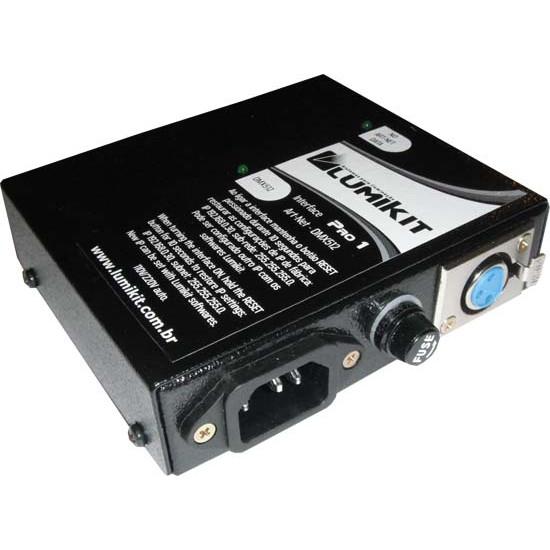 Lumikit PRO 1 - detalhe conector alimentação, fusível e conector XLR DMX