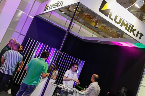 Fotos stand Lumikit na Lighting Week Brasil 2012